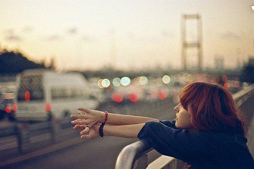 > On n'est plus personne quand on est seule.